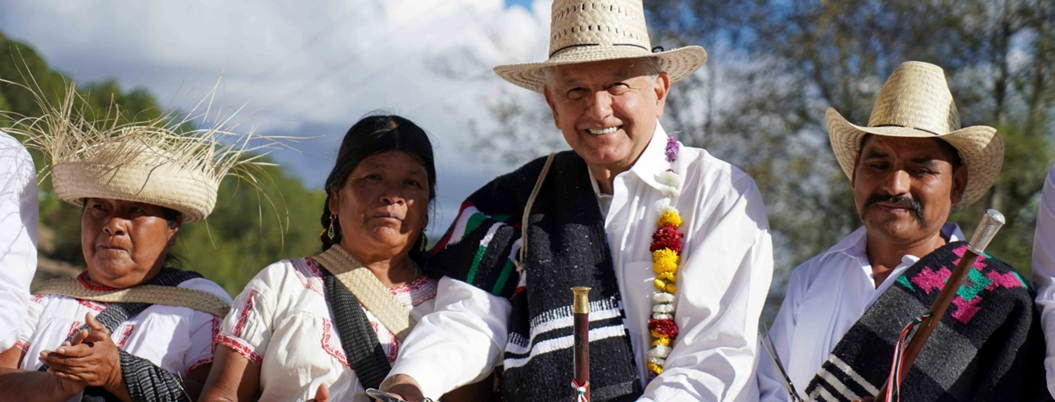 Obrador afirma que por vez primera gobierna el pueblo