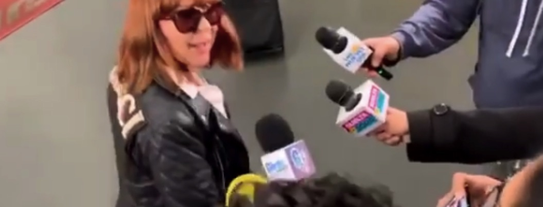 """La Guzmán se lanza contra la prensa: """"Respeten, me están empujando"""""""