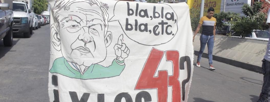 Normalistas marchan por los asesinatos olvidados en Chilpancingo