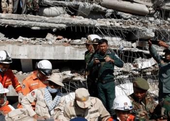 Fallecen 10 personas por derrumbe de edificio en Camboya 1