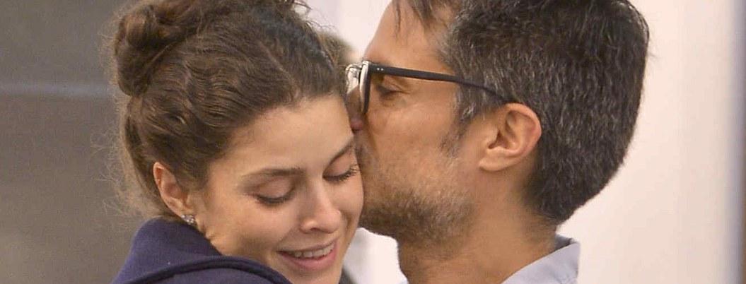 Gael García y Fernanda Aragonés posan para portada de revista