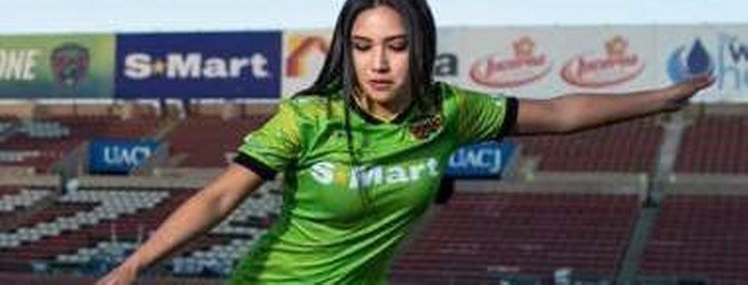 Karen González la nueva futbolista más sensual