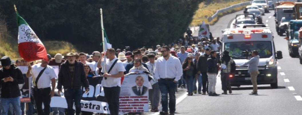 Para show, el de Palacio Nacional, señalan en marcha vs. violencia