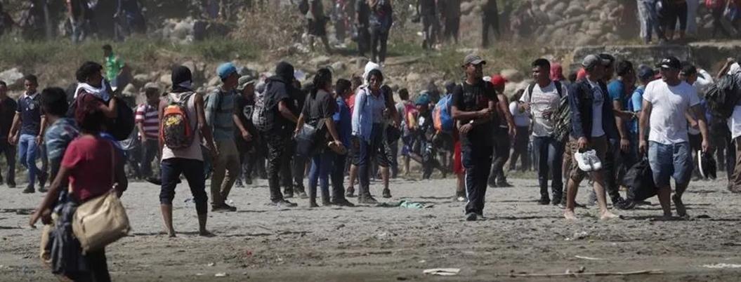 Coparmex Chiapas pide contener a migrantes con chorros de agua
