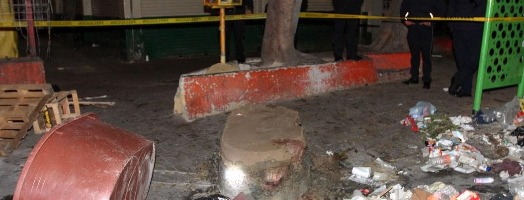 Hallan restos humanos en una tina de plástico con concreto