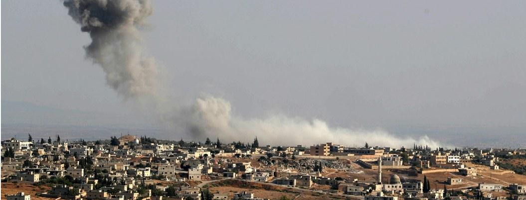 Lanzan fuerte ofensiva a provincia Siria de Idlib; hay 60 muertos