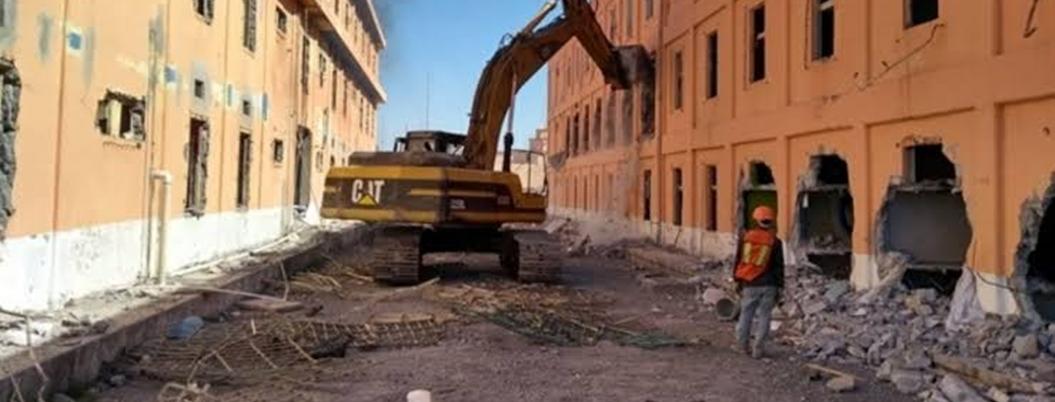 Inicia demolición del penal de Topo Chico en Nuevo León