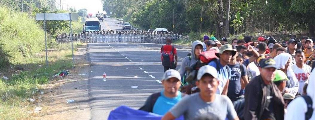 Migrantes buscan avanzar por Chiapas