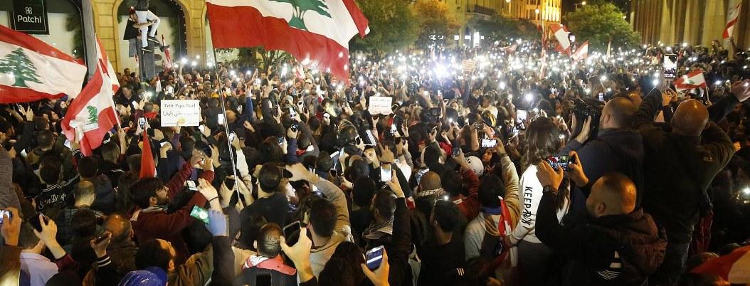 Enfretamientos entre manifestantes y policía deja más 400 heridos