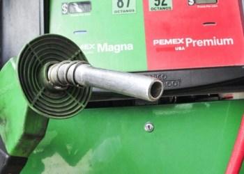 Precio de la gasolina se desploma; automovilistas celebran 1