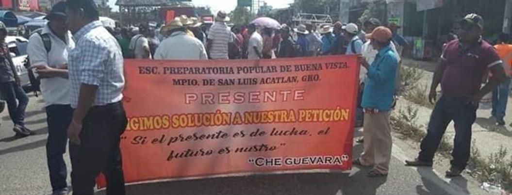 Integrantes de Prepas Populares protestan en Guerrero