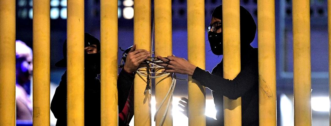 Obrador ve mano negra en cierre de planteles de la UNAM
