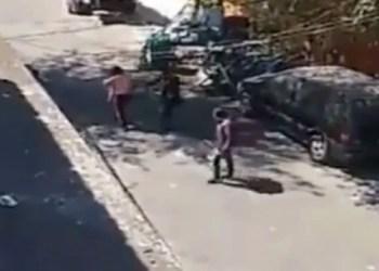 Sicarios se enfrentan a balazos en calles de Ecatepec | VIDEO