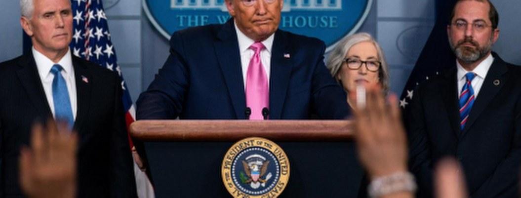 Trump decreta no especular precios y acopio de insumos por COVID-19