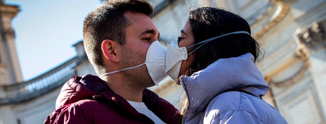 Italia prohibirá los besos y cerrará escuelas por el coronavirus