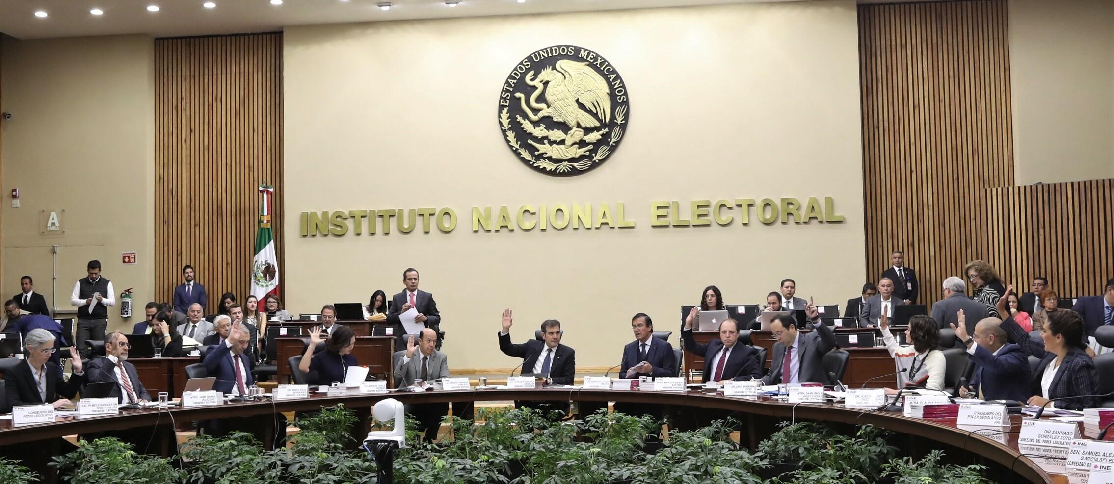 Diputados dejan 164 aspirantes para ser consejeros del INE