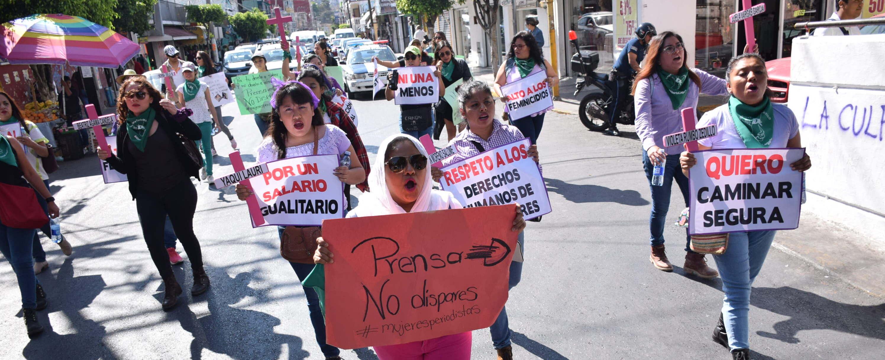 Periodistas de Guerrero marchan contra la violencia de género