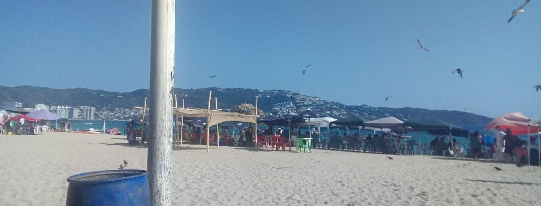 Coronavirus deja playas semivacías y preocupación en Acapulco