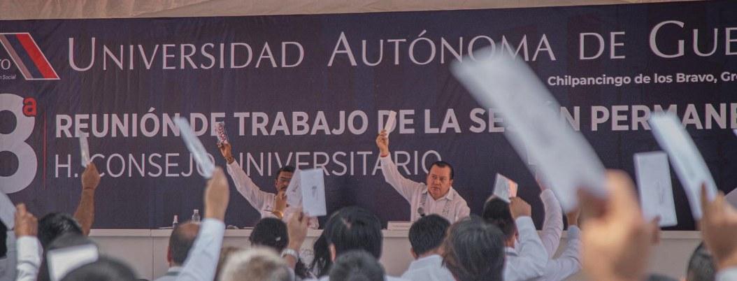 """Expulsa la UAGro a dos estudiantes por """"conductas inapropiadas"""""""