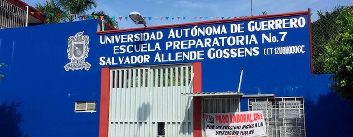 Alumnas denuncian acoso de maestros en preparatorias de Acapulco