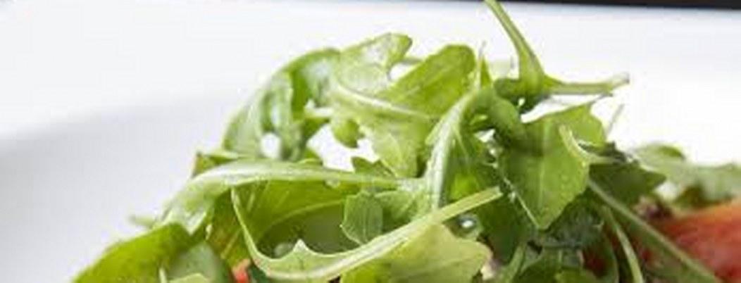 Arúgula, hortaliza cuyos compuestos ayudan combatir el cáncer