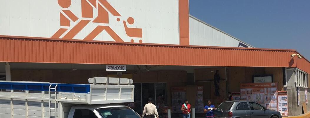 Chedraui blinda sus tiendas en Acapulco por temor a saqueos