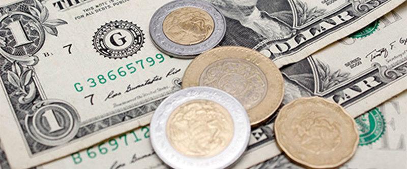 Peso retrocede frente al dólar por sexta ocasión consecutiva