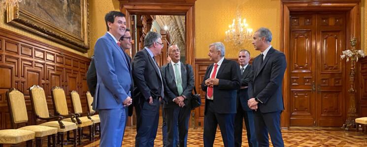 AMLO anuncia inversión millonaria de DHL en México