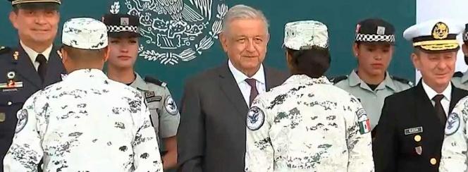 López Obrador pide 'fortaleza espiritual' a Guardia Nacional