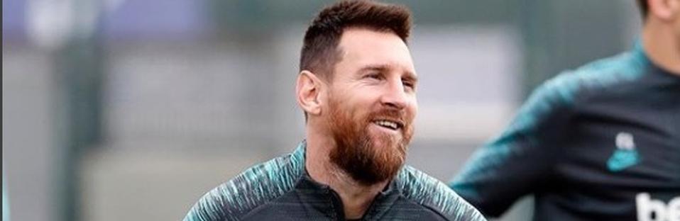 Messi pasa la cuarentena entrenando con los colores del Newell's