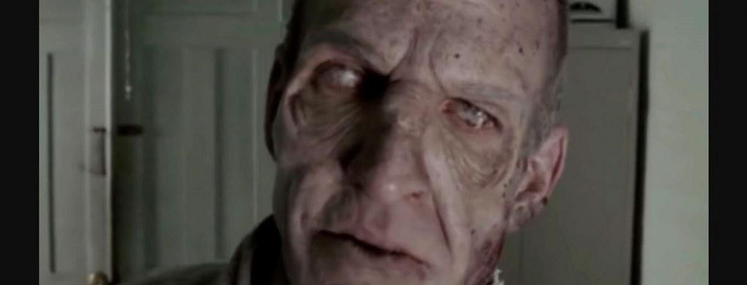 """Zombi de """"The Walking Dead"""" muerde a su novia en la vida real"""