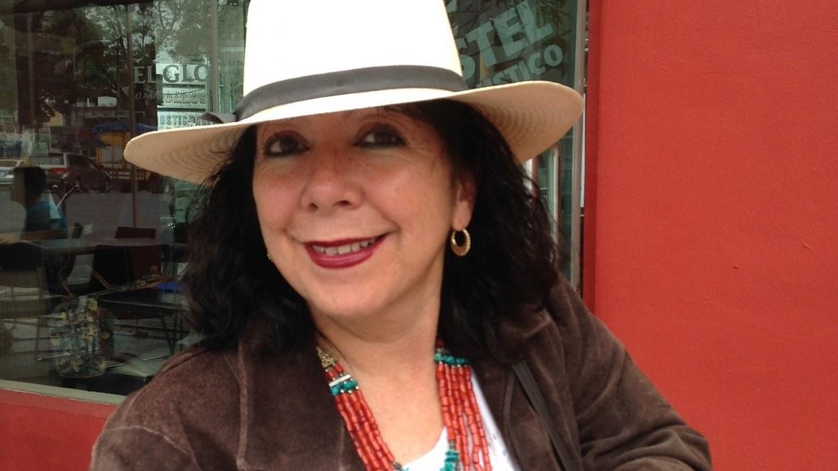 """Ser poeta o narrador, no es sinónimo de ser persona buena"": Lucía Rivadeneyra 3"