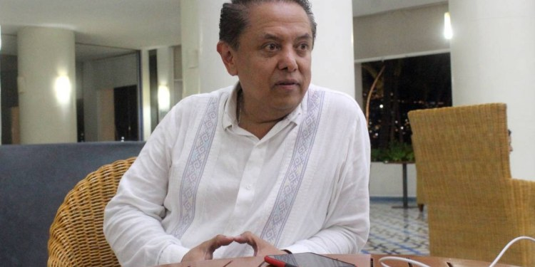 ¿En qué es diferente Pablo Amílcar Sandoval de Félix Salgado y de Walton? 1