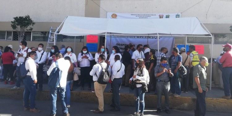 Mantienen plantón contra alcalde de Chilpancingo por violación laboral 1