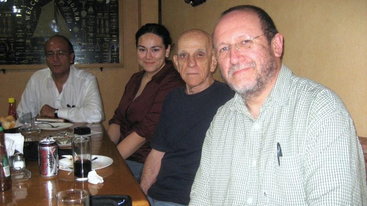 La poesía mexicana es una persona cada vez menos rígida: Héctor Carreto