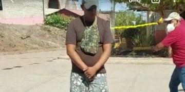 Agarran a latigazos a quien no usa cubrebocas en Guerrero   VIDEO 2