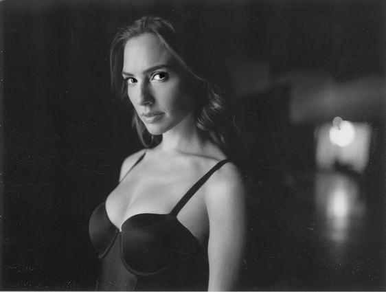 ¡Maravillosa! Gal Gadot enamora con sensual foto en blanco y negro 1