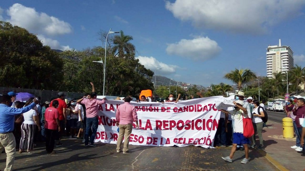 Marchan contra imposición de candidatos en Acapulco que hicieron Félix Salgado y Marcial Rodríguez 4