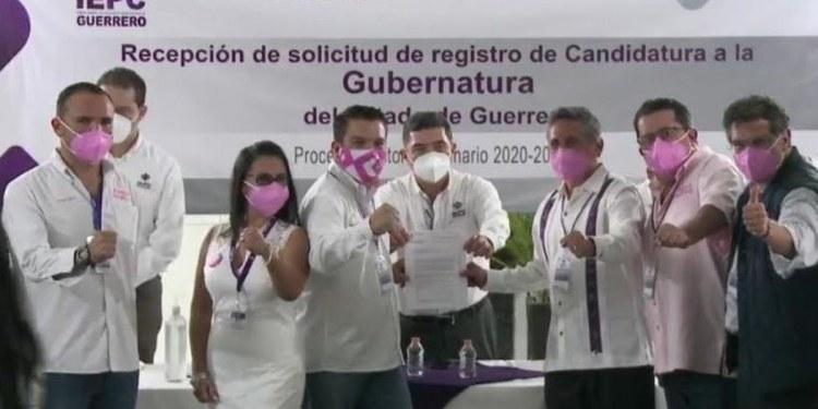 Exfutbolista Manuel Negrete se registra como candidato para gobernar Guerrero por FSM 1