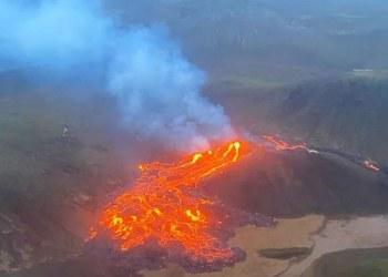 Volcán en Islandia entra en erupción por primera vez en 6 mil años 2