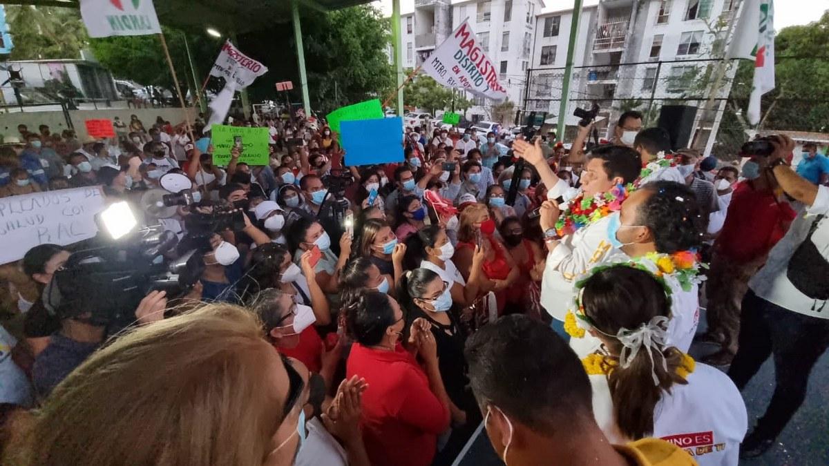 'Es sabio cambiar de opinión'; el pueblo va con Mario Moreno; miles lo reciben en la Costa Chica 1