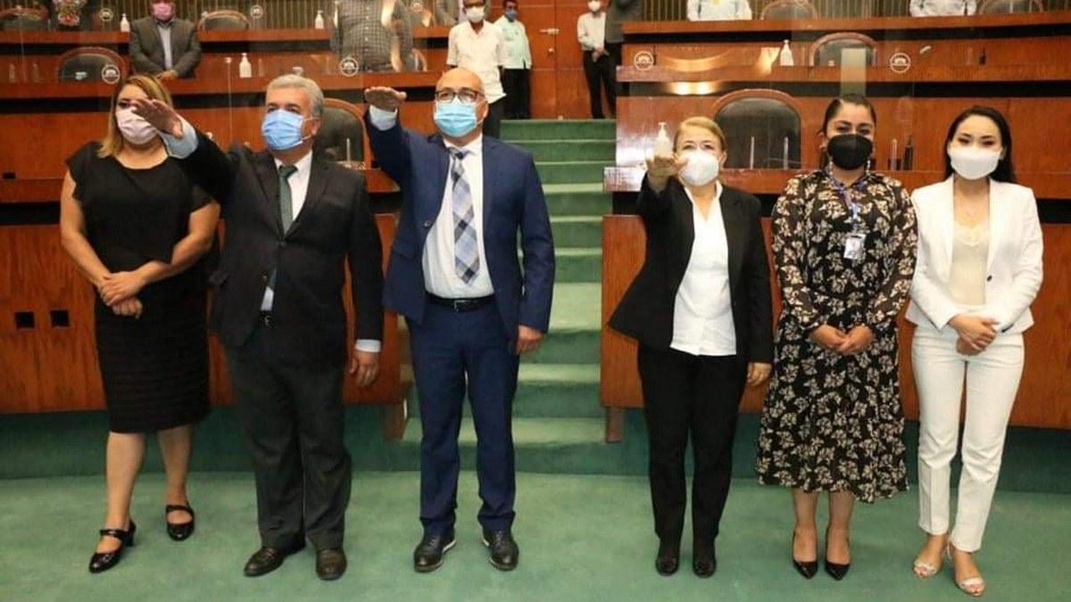 Diputados de Morena validan 13 magistrados propuestos por Astudillo y les toman protesta 1