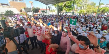 Mario Moreno, el gobernador del pueblo, le dicen en Acapulco al candidato de la alianza PRI-PRD 10