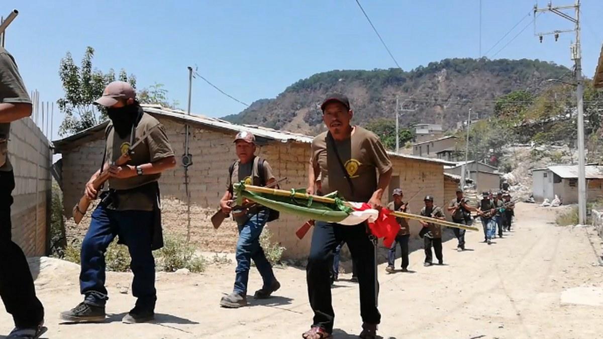 Guerrero: los niños armados de la Montaña; los preparan para enfrentar criminales   Fotos 6