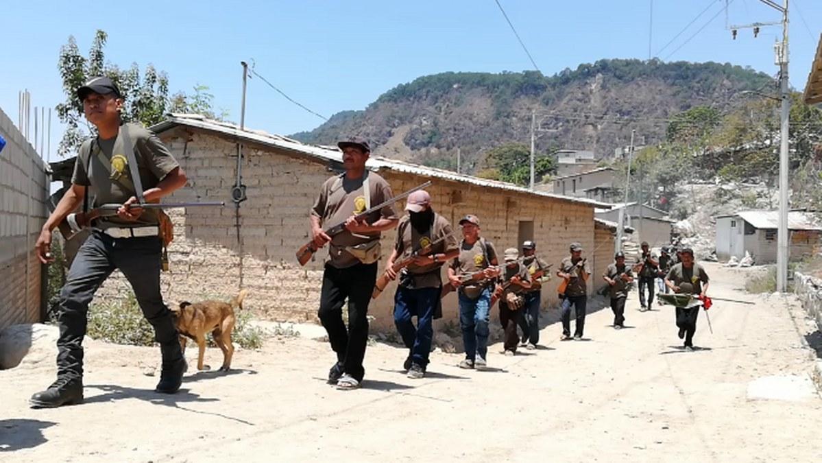 Guerrero: los niños armados de la Montaña; los preparan para enfrentar criminales   Fotos 5