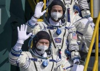 Astronautas parten a misión en la Estación Espacial Internacional 9