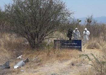 Hallan a tres hombres asesinados en terreno baldío de Chilapa 8
