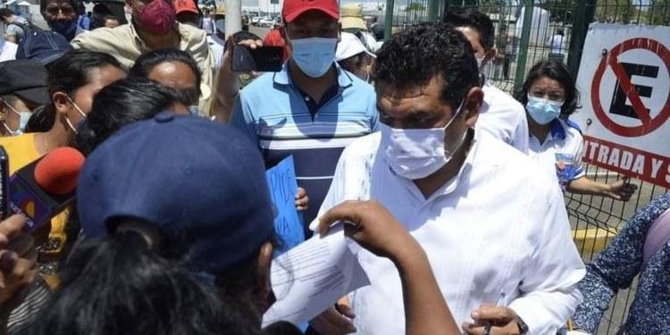 """""""May es un mentiroso"""", reclaman tabasqueños afectados por las inundaciones 1"""