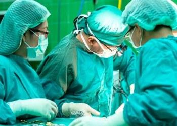 Realizan el primer trasplante de pulmón de donante a paciente Covid 3