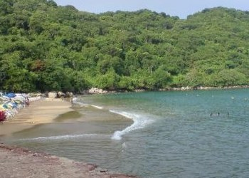 Restauranteros de Puerto Marqués retiran bloqueo en playa Majahua 7